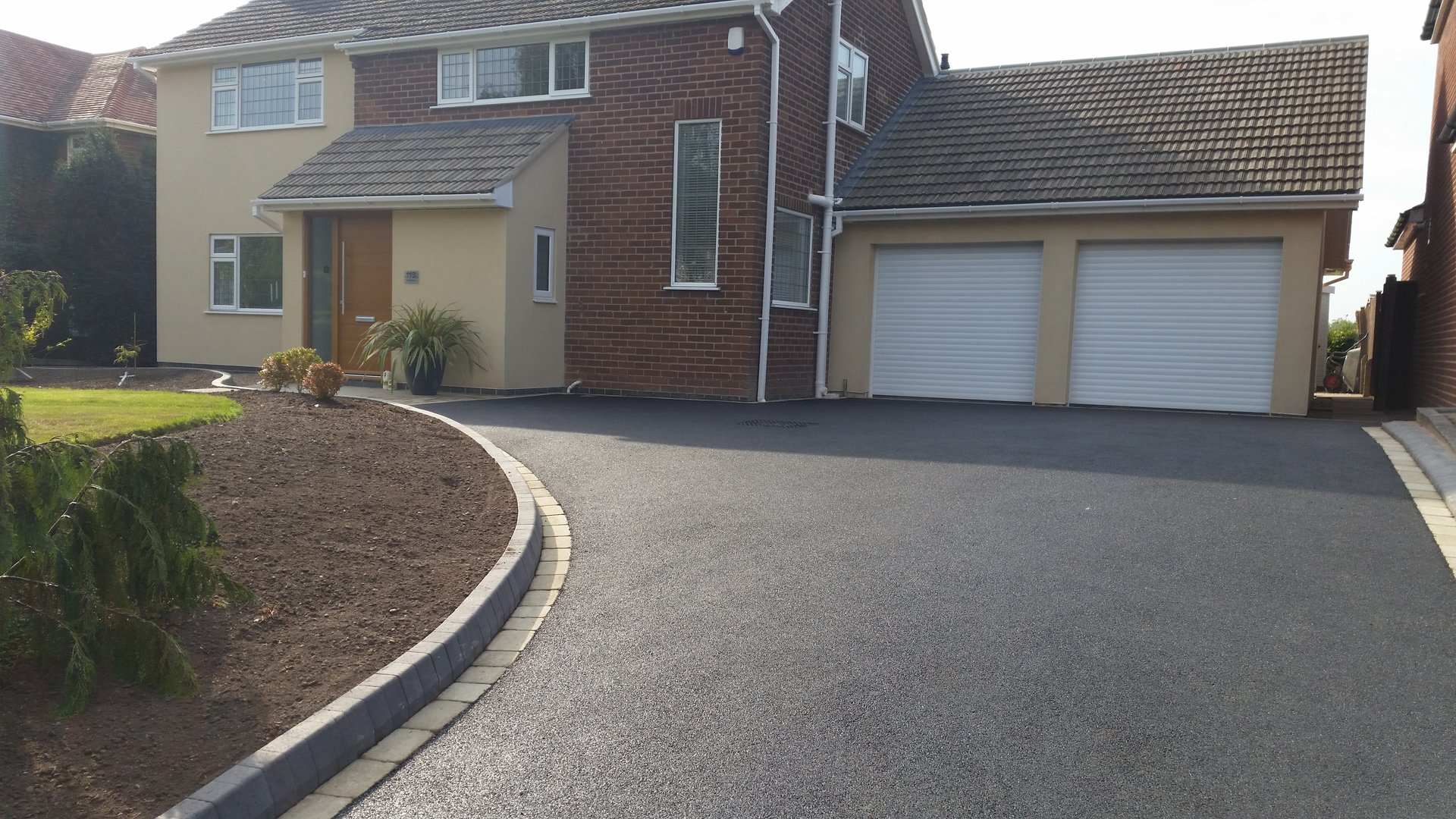 Lichfield Tarmacadam Domestic Surfacing Experts