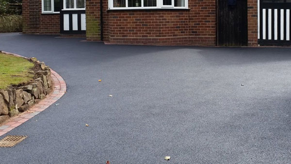 Tarmac Driveway in Barton-Under-Needwood