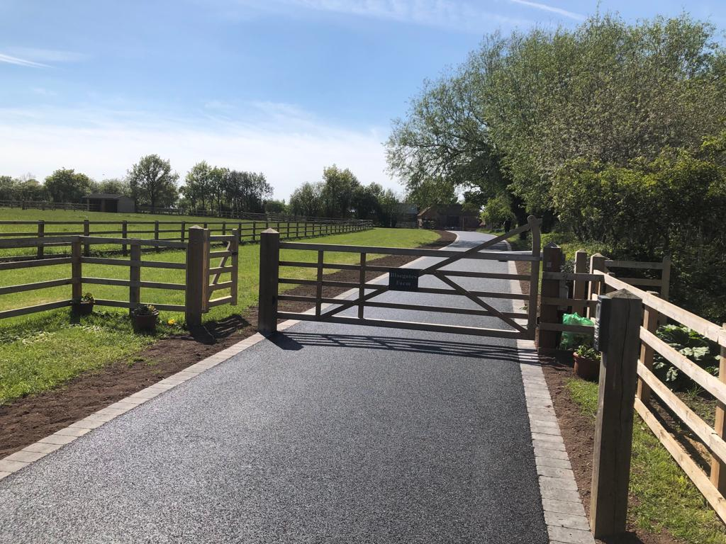 Lichfield Tarmacadam Tarmac Driveway Surfacing Experts